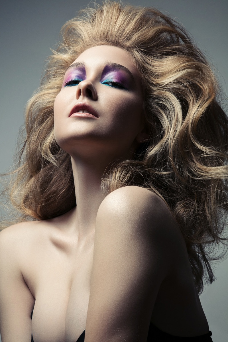 Model Nicole Keimig shows off multicolored eyeshadow. Photo: Jeff Tse