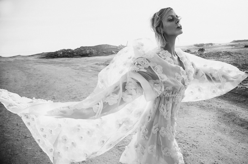 Modern Romance: Taylor & Laura Pose in Dreamy Styles for Myself Germany