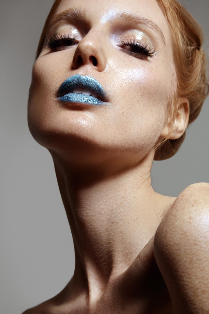 Nell Rebowe shows off a blue lipstick shade. Photo: Jeff Tse