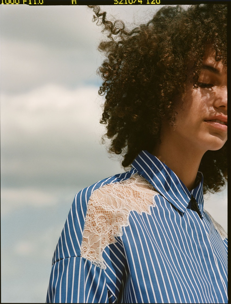 Model wears Zara Contrasting Shirt Dress
