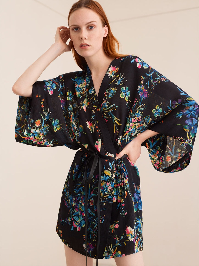 Kiki Willems wears Zara Floral Print Kimono