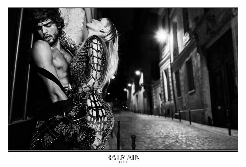 Marlon Teixeira and Lara Stone have a sexy moment in Balmain's fall-winter 2017 campaign
