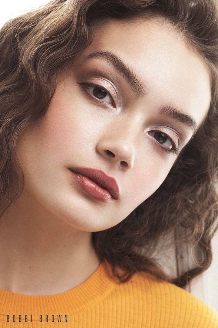 Sasha Kichigina wears a glamorous beauty look in Bobbi Brown Cosmetics' fall 2017 campaign