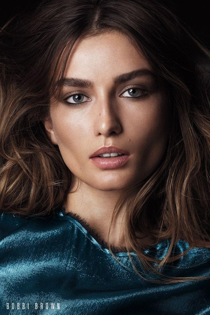 Andreea Diaconu looks perfectly glamorous in Bobbi Brown Cosmetics' fall 2017 campaign