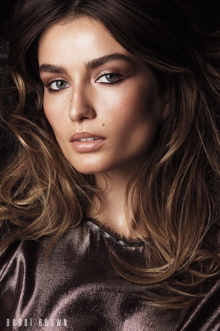 An image from Bobbi Brown Cosmetics' fall 2017 campaign