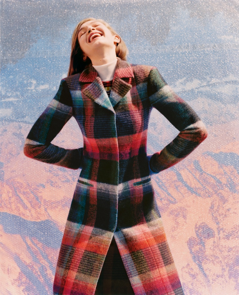 An image from Missoni's fall 2017 advertising campaign starring Gigi Hadid