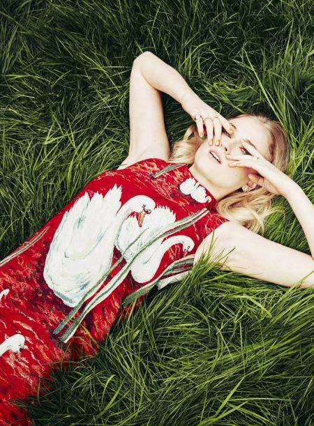 Sophie Turner Wears Chic Looks in Stylist Magazine