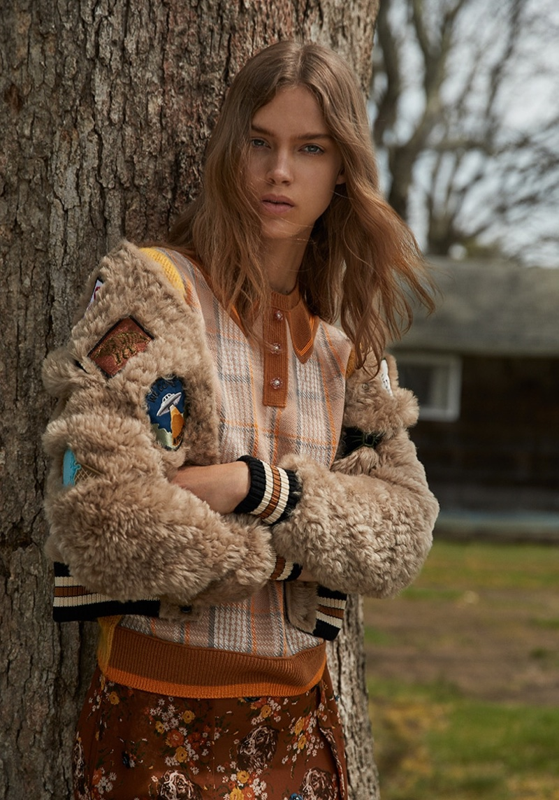 Julia Jamin Wears Chic Pre-Fall Looks for Harper's Bazaar Turkey