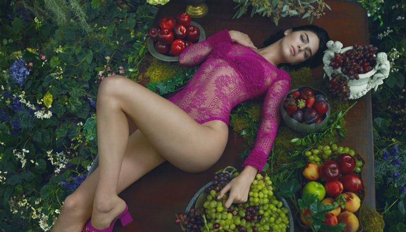 Kendall Jenner wears fuchsia bodysuit in La Perla's fall-winter 2017 campaign