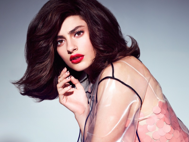 Diana Silvers Channels Retro Style in Vogue Taiwan Beauty Spread