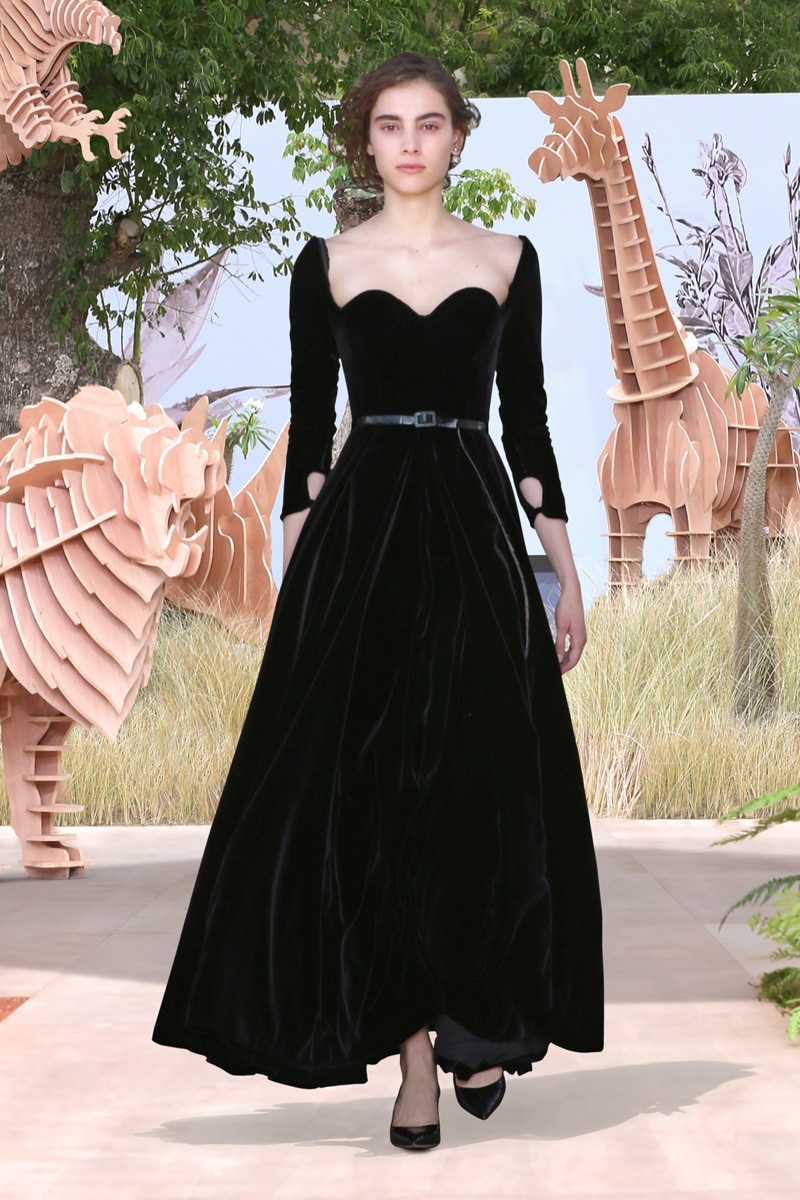 A look from Dior's fall-winter 2017 haute couture collection