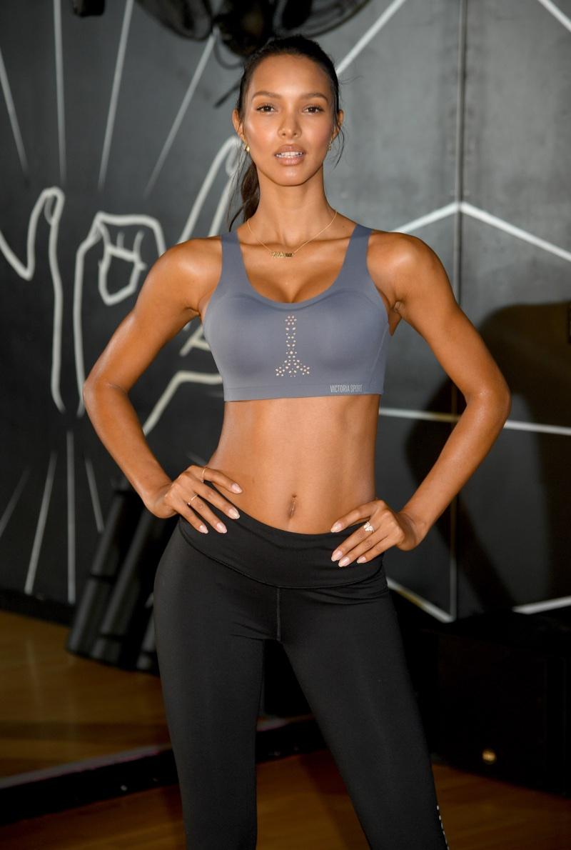 Lais Ribeiro poses at 305 Fitness studio wearing Victoria's Secret Angel Max sports bra. Photo: Victoria's Secret