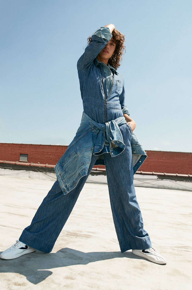 Madewell Denim Wide-Leg Jumpsuit, Chambray Oversized Ex-Boyfriend Shirt, The Oversized Jean Jackie in Capstone Wash (worn around waist) and Tretorn Nylite Plus Sneakers in Leather and Velvet