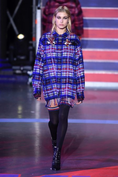 Tommy Hilfiger Channels Grunge Vibes with Fall 2017 Collection