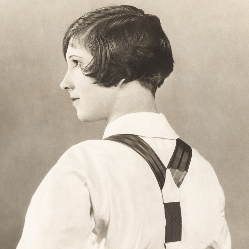 For those with short hair, the Eton cut was popular in the 1920s.