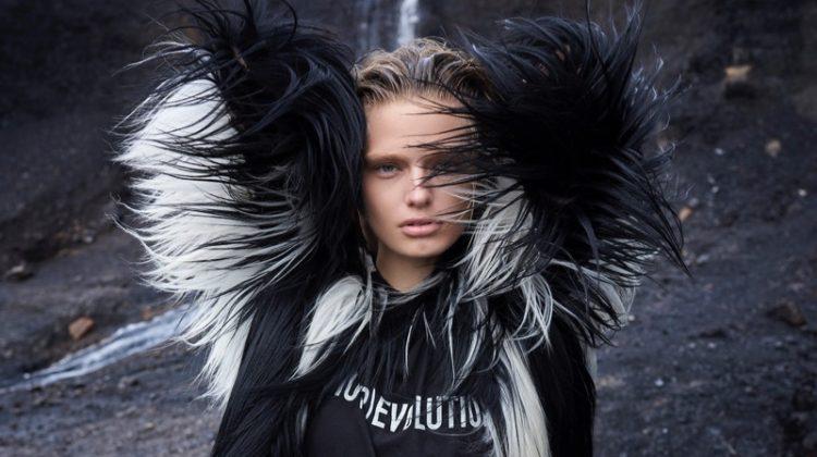 Anna Mila Guyenz Looks Divine in Dior for Dolce Vita