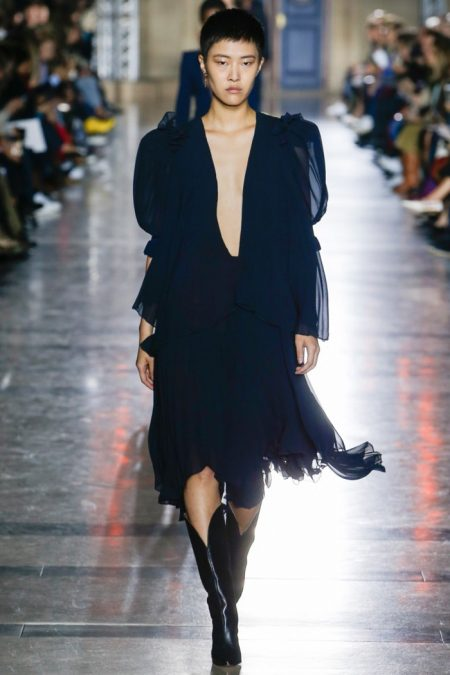 Givenchy Focuses on Strong Shapes for Spring 2018