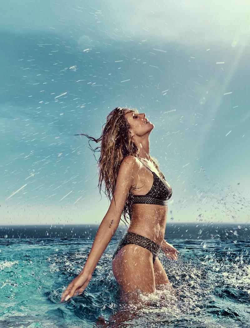 Heidi Klum poses in black bikini for Heidi Klum Swim