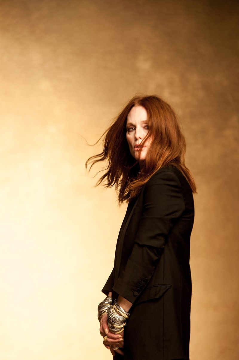 Julianne Moore captured behind-the-scenes at John Hardy campaign