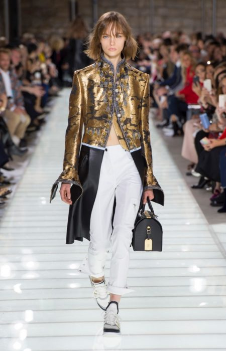 d7aab9c6a219 Louis Vuitton Delivers Rich Brocades for Spring 2018