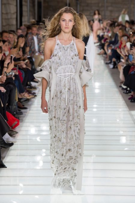 Louis Vuitton Delivers Rich Brocades for Spring 2018