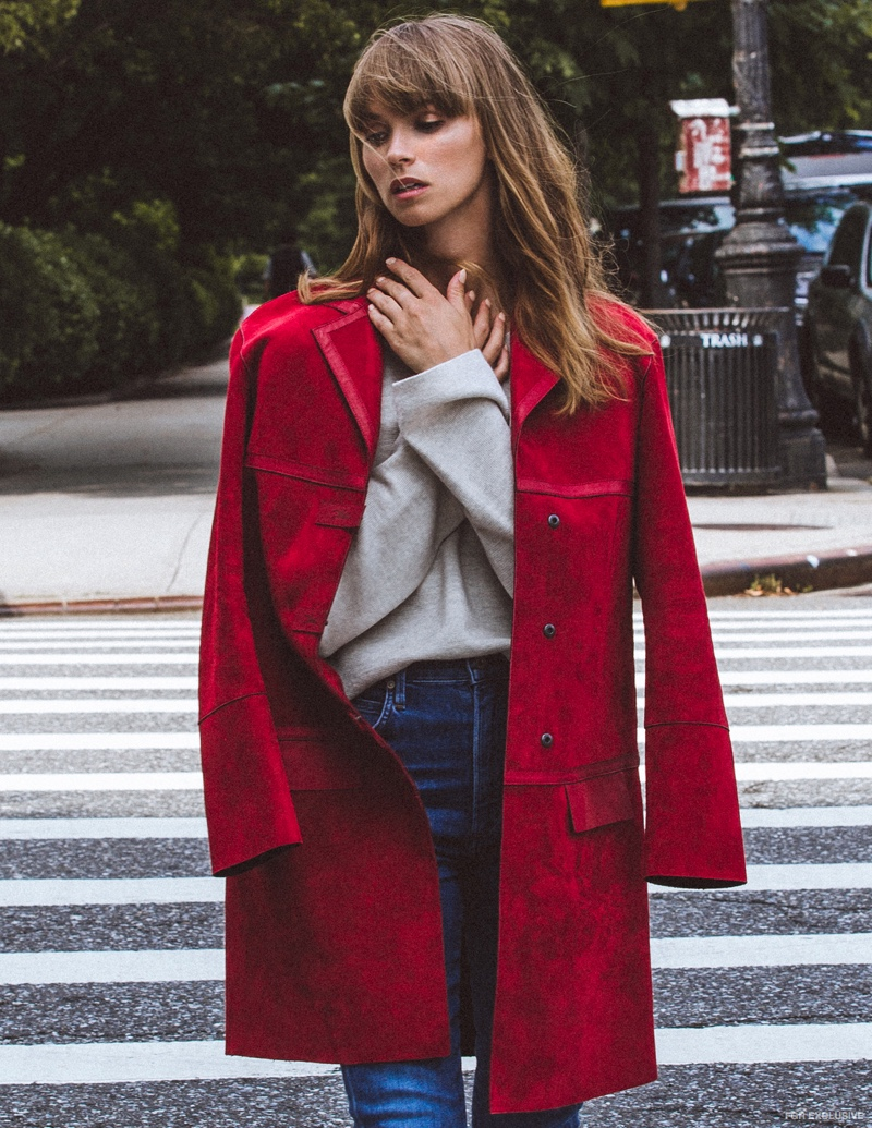 Coat Longchamp, Sweater Babaton for Aritzia and Jeans Citizens of Humanity