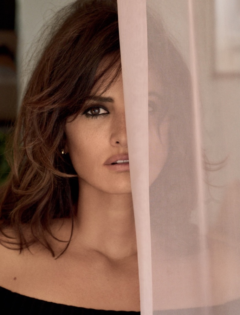 Actress Penelope Cruz wears Cinq a Sept top and Zoe Chicco earrings