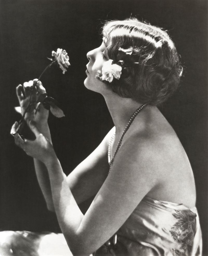 A pinned bob hairstyle in the 1920s was an easy way to get a short look for those with long hair. Photo: Shutterstock.com
