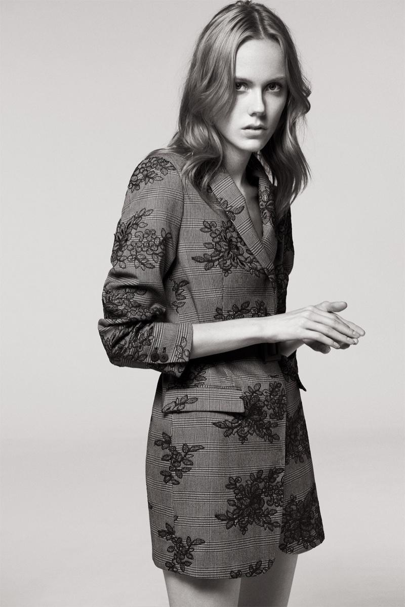 Kiki Willems wears Zara Checked Floral Frock Coat