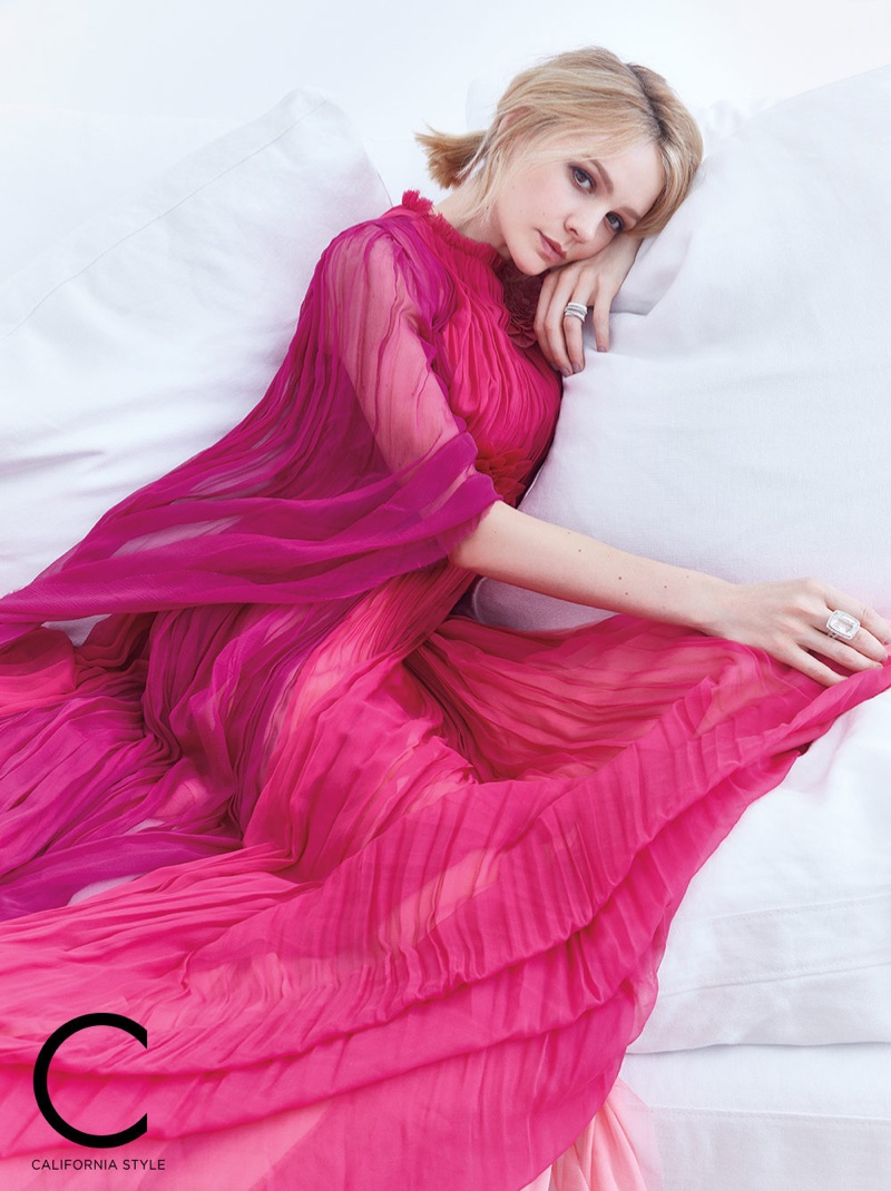 Carey Mulligan wears Gucci gown, Marco Bicego earrings and ring with John Hardy ring