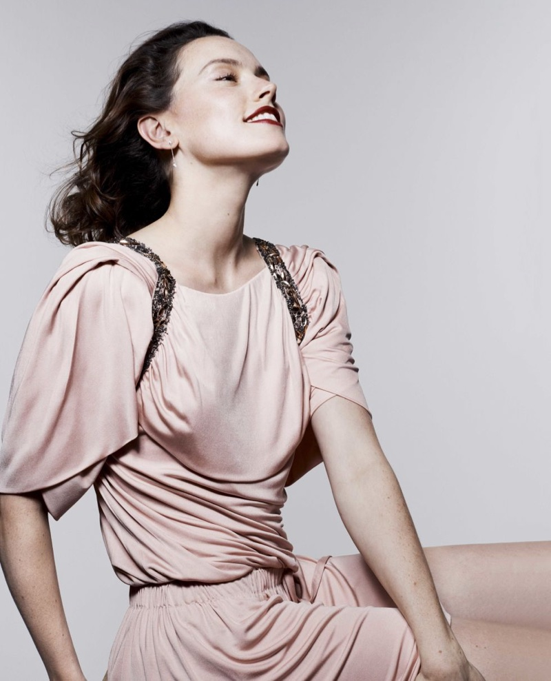 Looking pretty in pink, Daisy Ridley strikes a pose