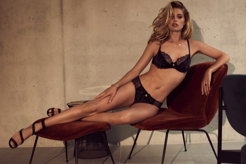 Doutzen Kroes flaunts her curves in Hunkemöller's fall 2017 lingerie campaign