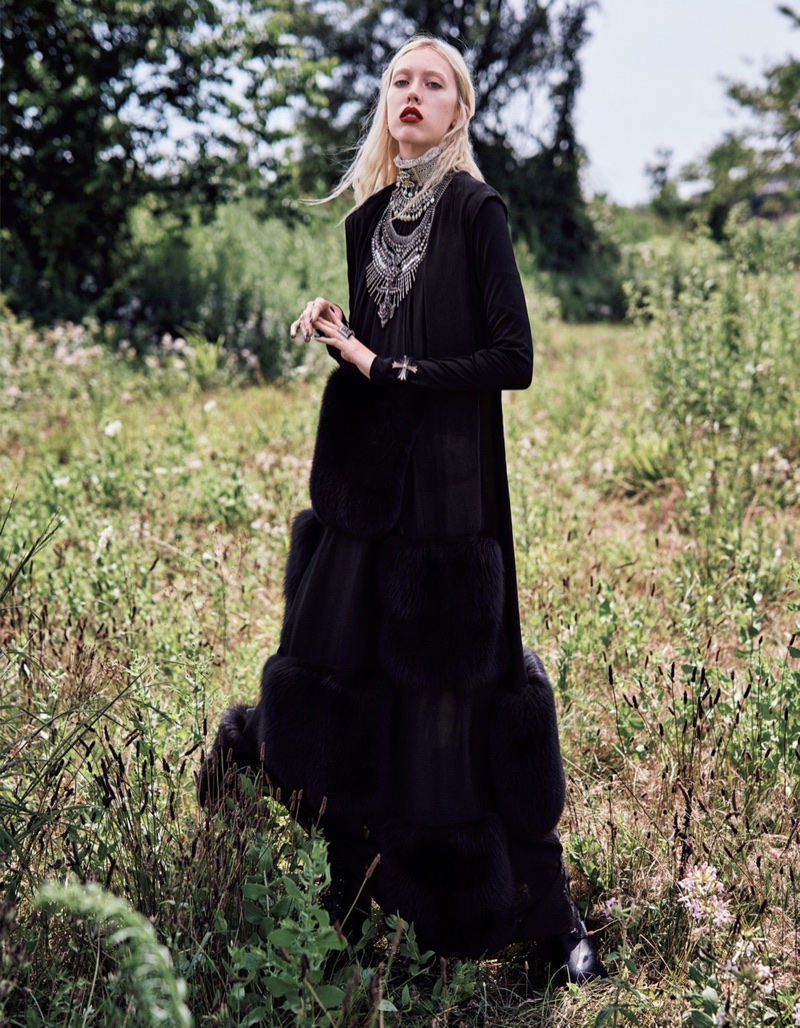 Tyg & Elizabeth Davison Wear Gothic Styles in Vogue Japan