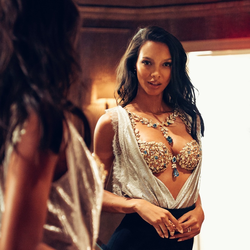 Angel Lais Ribeiro poses in Victoria's Secret 2017 Champagne Nights Fantasy Bra