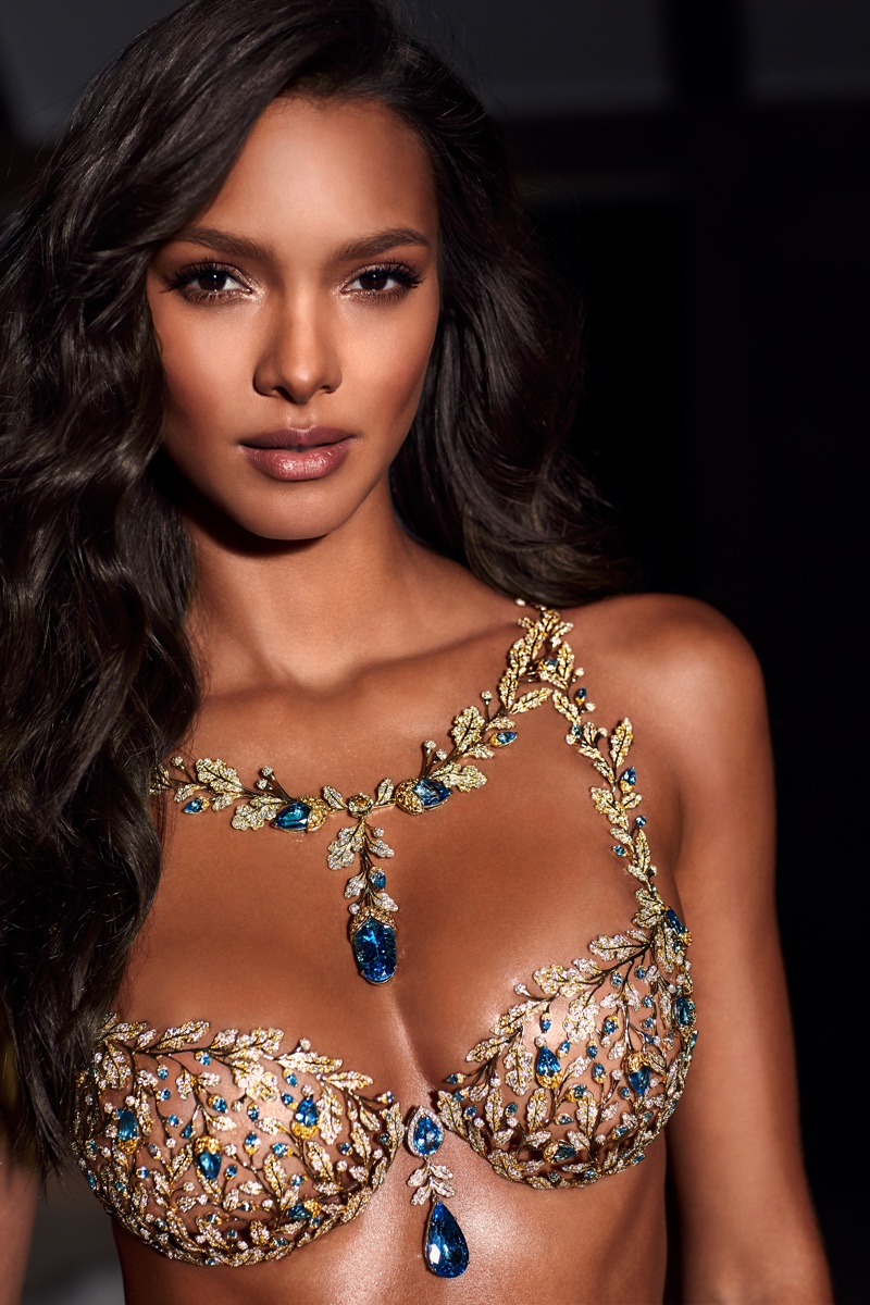 Lais Ribeiro wears 2017 Victoria's Secret Fantasy Bra