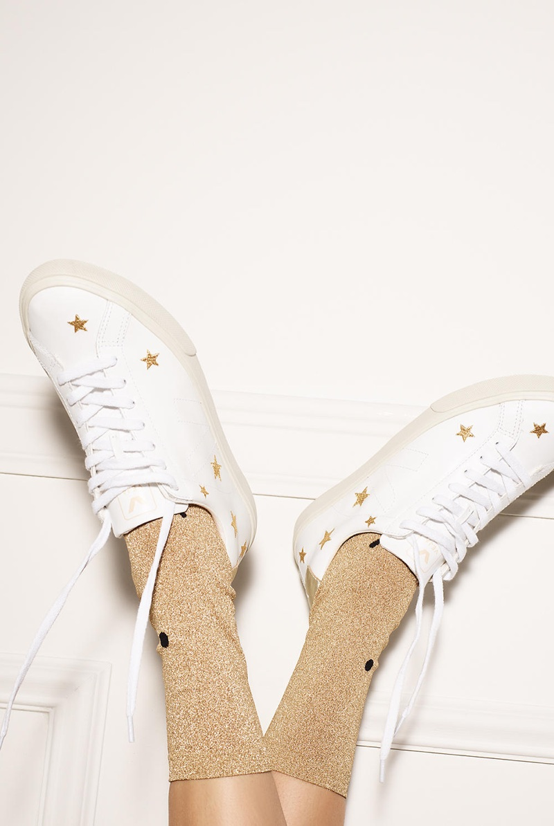 Madewell x Veja Esplar Low Sneakers in Embroidered Stars