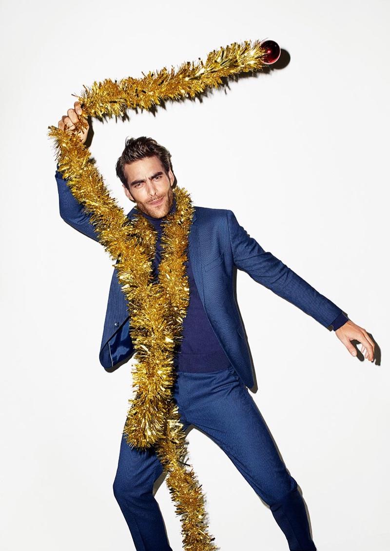 Jon Kortajarena appears in Reserved Christmas 2017 campaign