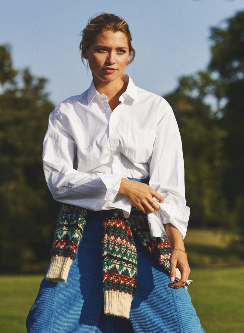 Hana Jirickova Layers Up in Country Styles for Eurowoman