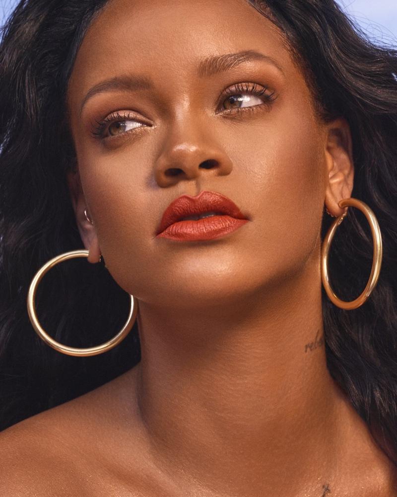 Looking glam, Rihanna models Fenty Beauty Mattemoiselle lipstick in Freckle Fiesta