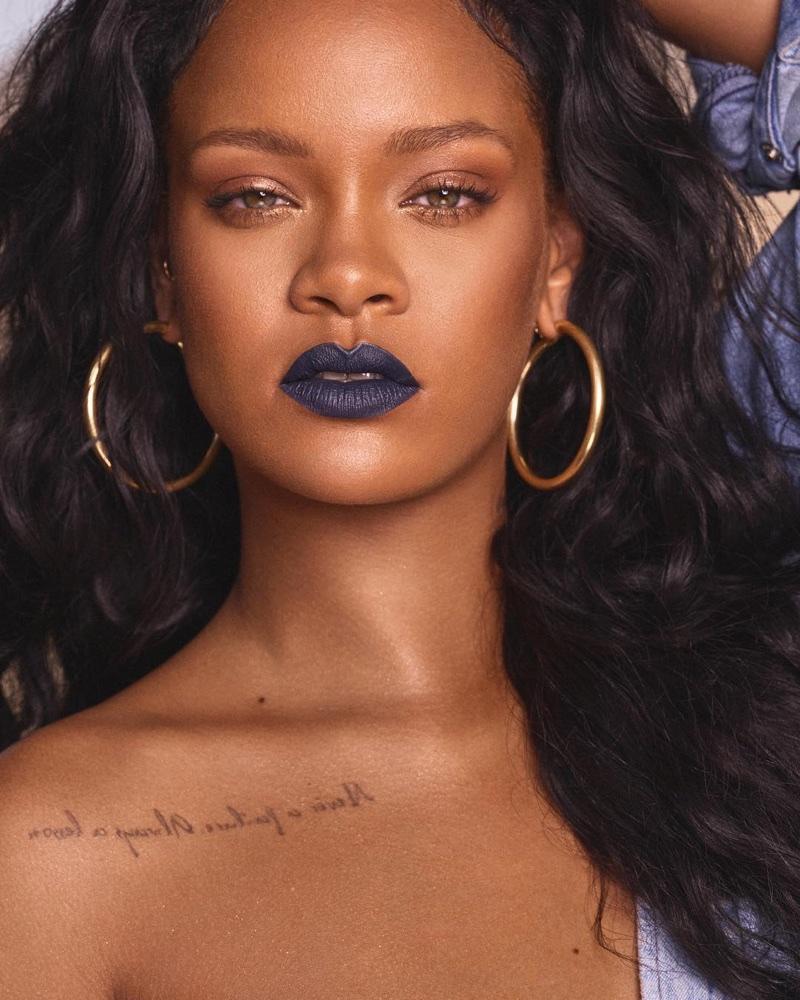 Fenty Beauty Mattemoiselle lipstick in Clap Back worn by Rihanna