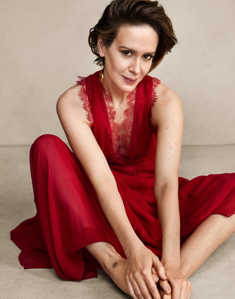 Sarah Paulson wears Giambattista Valli dress with lace and Allghieri earrings