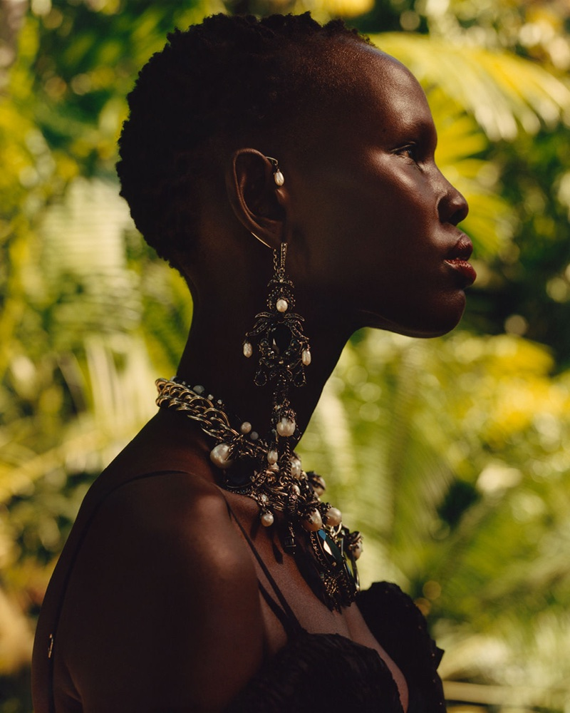 Alexander McQueen focuses on jewelry for spring-summer 2018 campaign