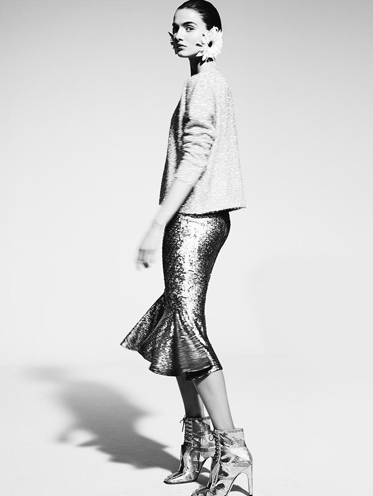 db83f02916 Blanca Padilla Poses in Elegant Styles for Yo Dona Spain
