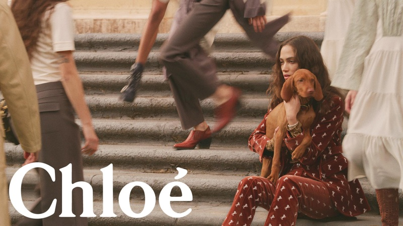 An image from Chloe's spring 2018 advertising campaign