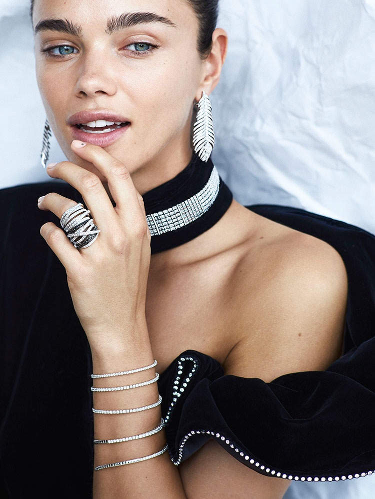 Jena Goldsack Shines in Glittery Jewelry for El País Semanal