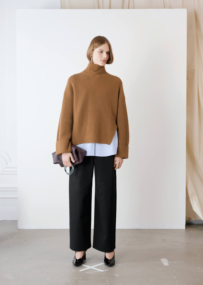 & Other Stories Oversized Side-Slit Turtleneck, Oversized Button Down Shirt, Ring Fold-Over Clutch, Patent Leather Pumps and Asymmetric Pearl Earrings