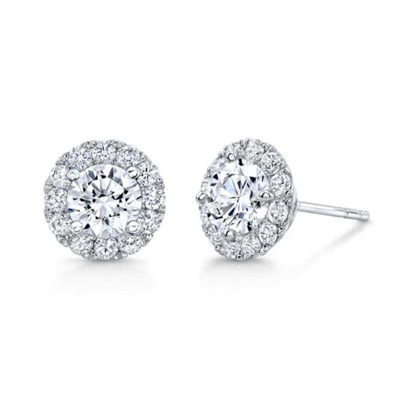 GNAT Halo­Set Diamond Studs