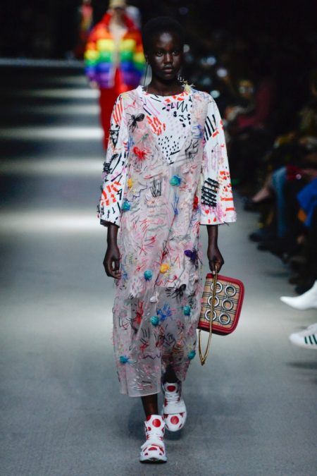 Burberry Embraces Rainbow Hues for Spring 2018