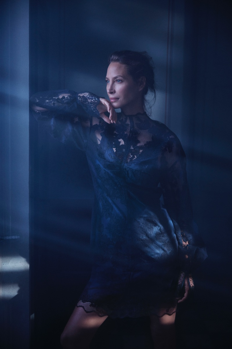 Supermodel Christy Turlington fronts H&M Conscious 2018 campaign