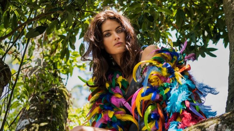 Isabeli Fontana Poses in Glam & Sunny Styles for ELLE Italy